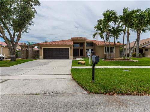 Photo of 573 SW 169th Ter, Weston, FL 33326 (MLS # A10838528)