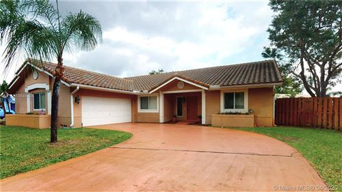 Photo of Listing MLS a10848528 in 4820 Hawkes Bluff Ave Davie FL 33331