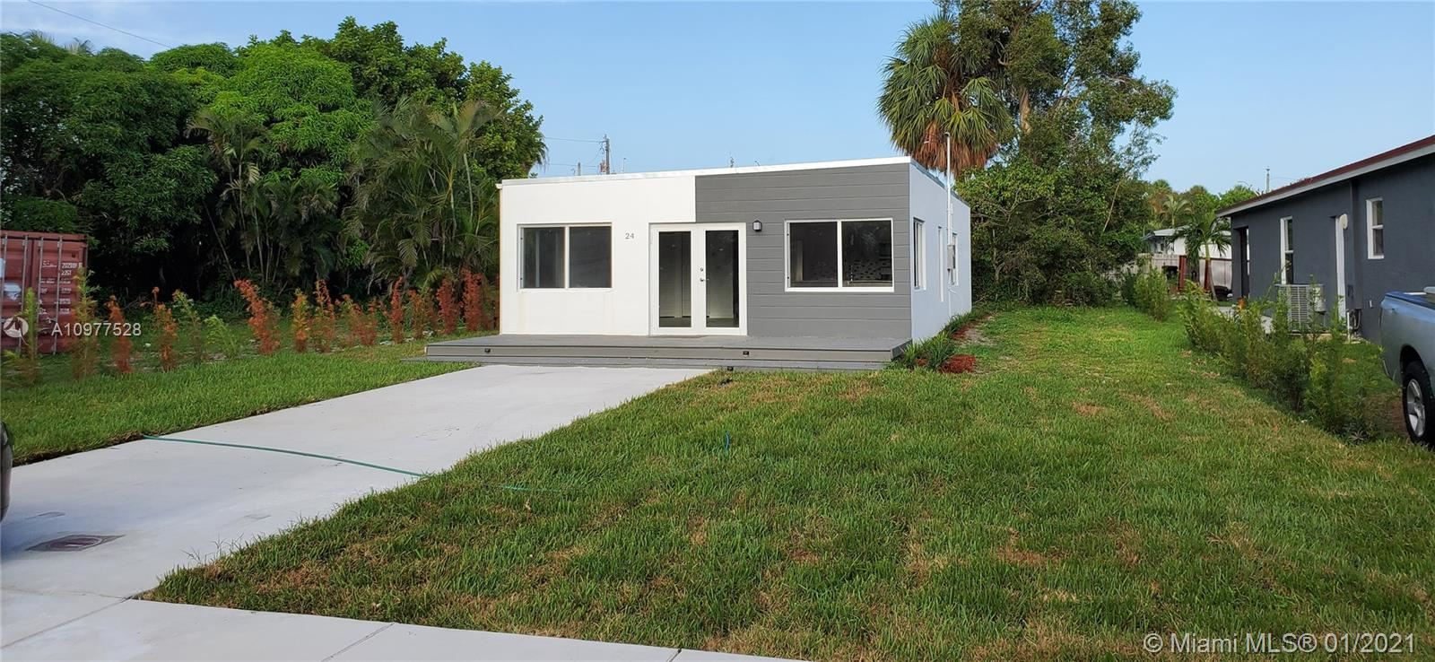 24 NW 13th Ave, Delray Beach, FL 33444 - #: A10977528