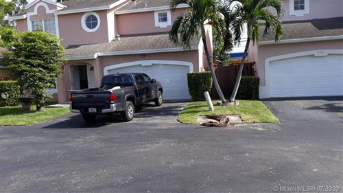 Photo of 5751 NW 101st Ct, Doral, FL 33178 (MLS # A10884532)