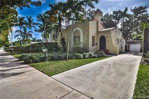 Photo of 532 San Lorenzo Ave, Coral Gables, FL 33146 (MLS # A10578535)