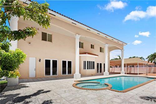 Foto de inmueble con direccion 7233 SW 122nd Pl Miami FL 33183 con MLS A10899535