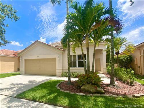 Photo of 837 Tanglewood Cir, Weston, FL 33327 (MLS # A11055536)