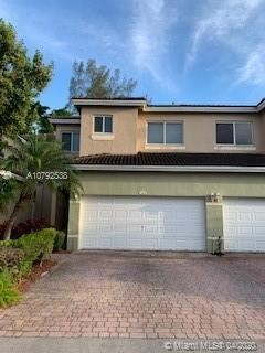 Photo of Listing MLS a10792538 in 1684 SE 24th Ct #1684 Homestead FL 33035