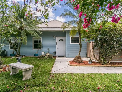 Photo of Listing MLS a10822538 in 4750 S Hemingway Cir Margate FL 33063