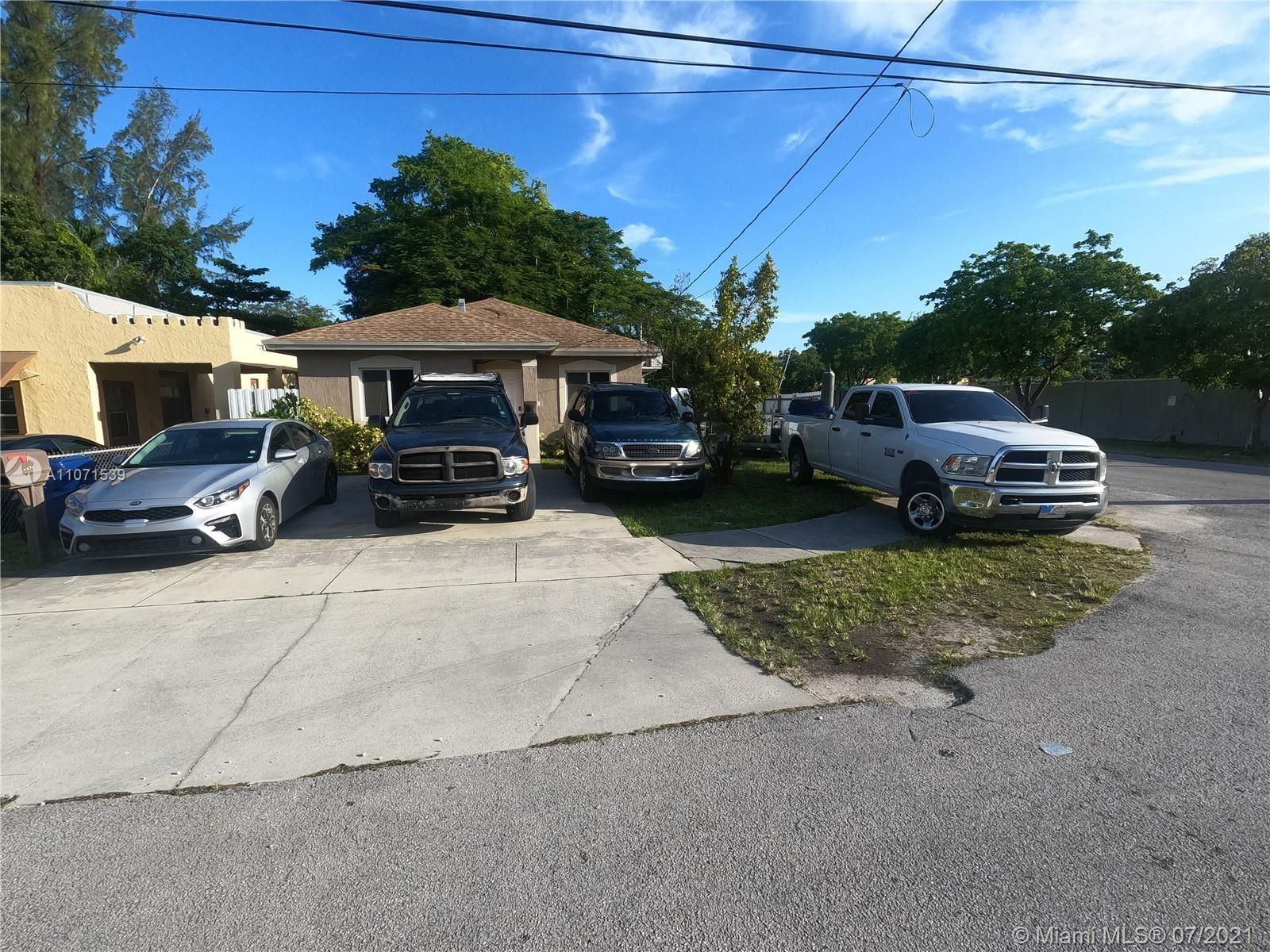 2494 NW 43rd St, Miami, FL 33142 - #: A11071539