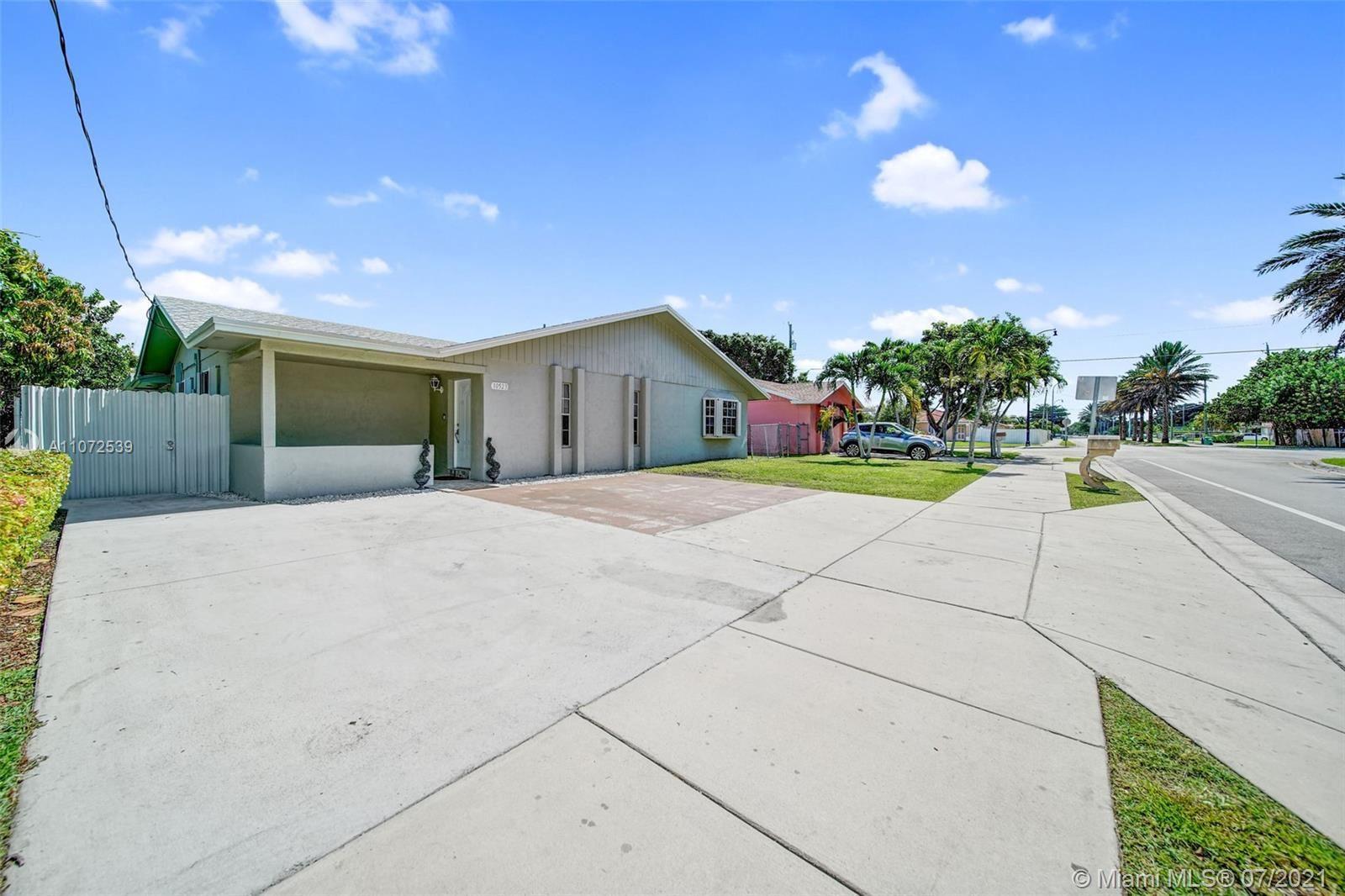 10523 SW 176th St, Miami, FL 33157 - #: A11072539