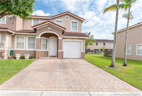 Photo of Listing MLS a10858541 in 13851 SW 274th Ter #13851 Homestead FL 33032