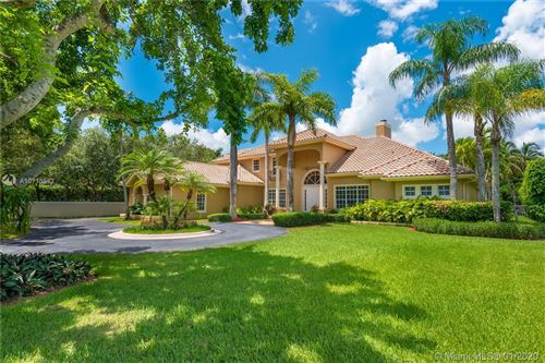 Photo of 9588 SW 67th Ct, Pinecrest, FL 33156 (MLS # A10713542)
