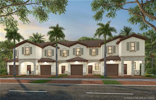 Foto de inmueble con direccion 10257 SW 228 TERR Miami FL 33190 con MLS A10795542
