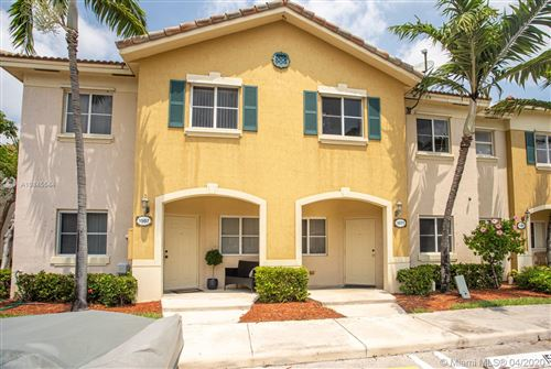 Photo of Listing MLS a10845544 in 1571 SE 31 Ct Homestead FL 33035
