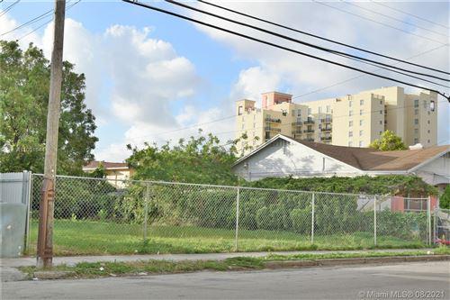 Photo of 226 SW 13th Ave, Miami, FL 33135 (MLS # A11091544)