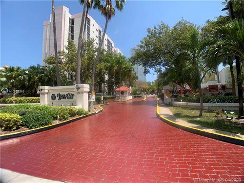 Foto de inmueble con direccion 17011 N Bay Rd #802 Sunny Isles Beach FL 33160 con MLS A10832545