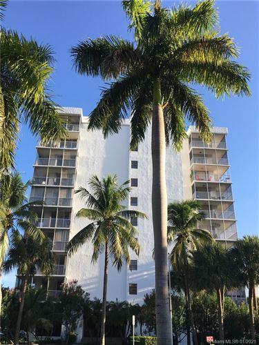 Photo of 150 Ocean Lane Dr #2C, Key Biscayne, FL 33149 (MLS # A10979546)