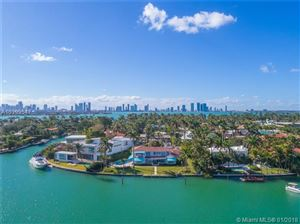 Foto de 2315 Lago Ave, Miami Beach, FL 33140 (MLS # A10399547)