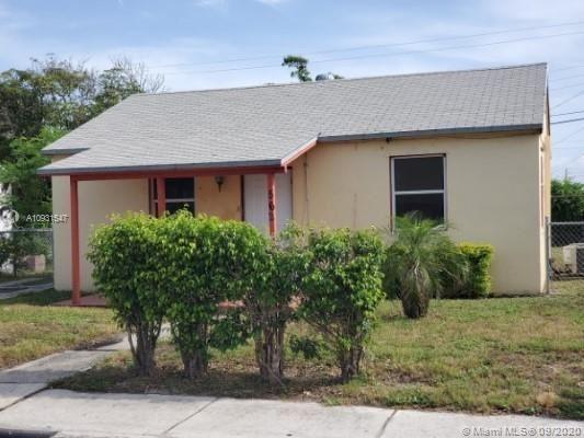 Photo of 562 W 4th St, Riviera Beach, FL 33404 (MLS # A10931547)