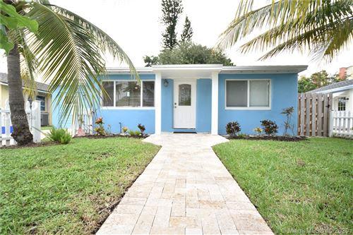 Foto de inmueble con direccion 216 E 24th St Riviera Beach FL 33404 con MLS A10947548