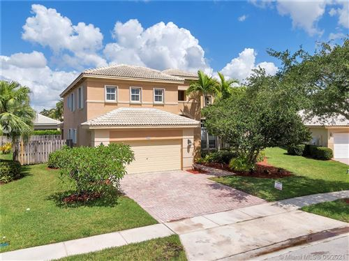 Photo of 986 NW 167th Ter, Pembroke Pines, FL 33028 (MLS # A11055548)