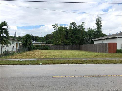 Photo of 8847 SW 128 ST, Pinecrest, FL 33176 (MLS # A11098548)
