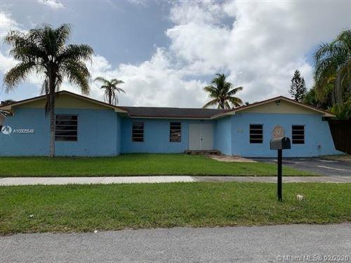 Foto de inmueble con direccion 8240 SW 204th St Cutler Bay FL 33189 con MLS A10805549