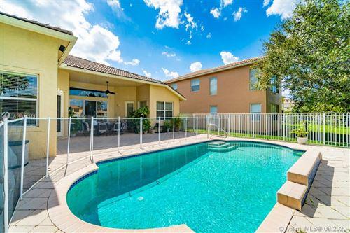 Foto de inmueble con direccion 9933 Via Bernini Lake Worth FL 33467 con MLS A10828549