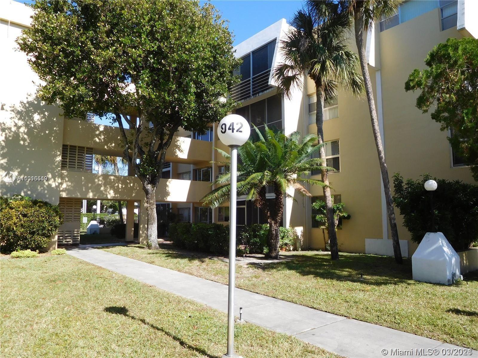 942 NE 199th St #403, Miami, FL 33179 - #: A11016549