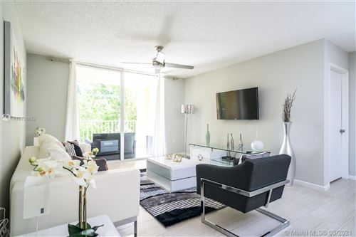 Foto de inmueble con direccion 19877 E Country Club Dr #3-206 Aventura FL 33180 con MLS A10700552