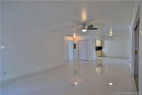 Photo of 400 Minorca Ave #1, Coral Gables, FL 33134 (MLS # A10808552)