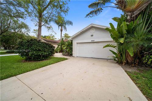 Photo of 4240 Grove Park Ln, Boynton Beach, FL 33436 (MLS # A11068552)
