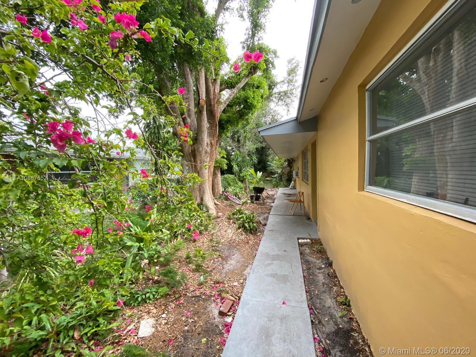 Photo of 5240 SW 40th Ter, Dania Beach, FL 33314 (MLS # A10867552)