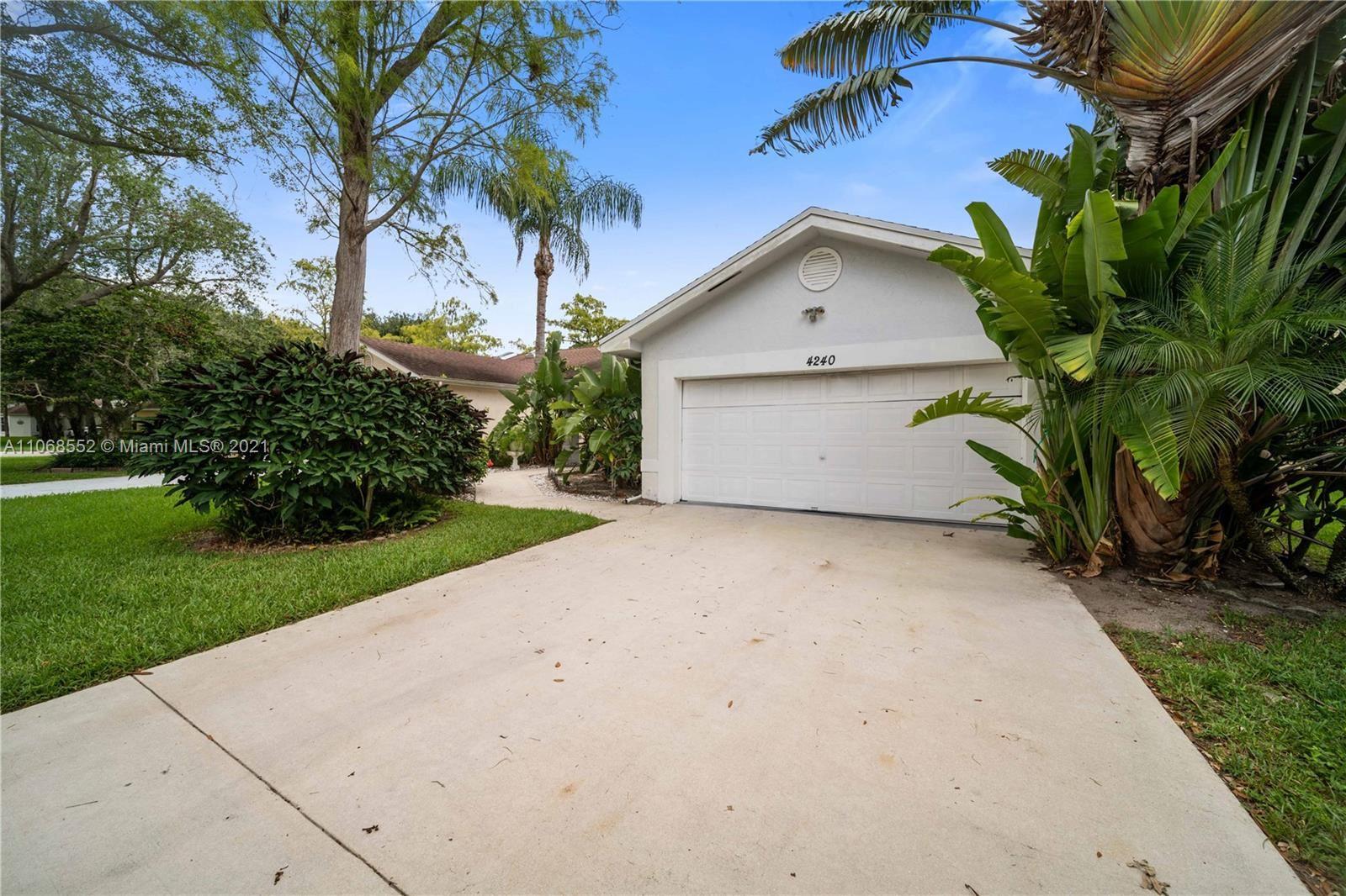 4240 Grove Park Ln, Boynton Beach, FL 33436 - #: A11068552