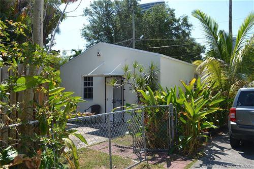 Photo of 446 NE 39th St #REAR HOUSE, Miami, FL 33137 (MLS # A10842553)