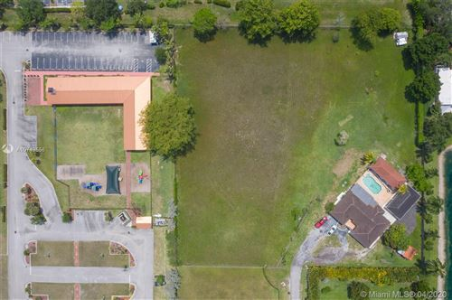 Foto de inmueble con direccion 161 SW Avenue Southwest Ranches FL 33331 con MLS A10743556