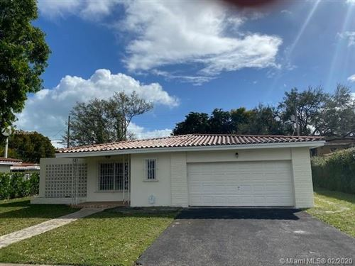 Photo of 810 Benevento Ave, Coral Gables, FL 33146 (MLS # A10795556)