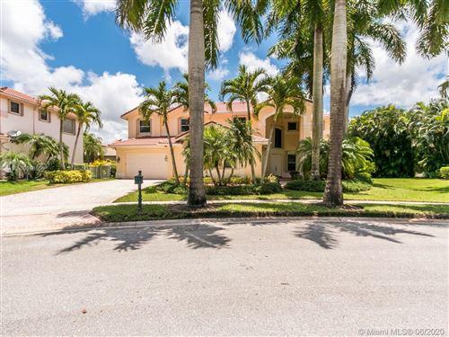 Photo of 1574 Victoria Isle Way, Weston, FL 33327 (MLS # A10868556)
