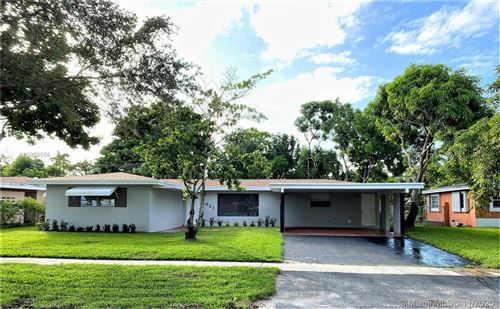 Photo of 1021 SW 39th Ave, Fort Lauderdale, FL 33312 (MLS # A10959556)