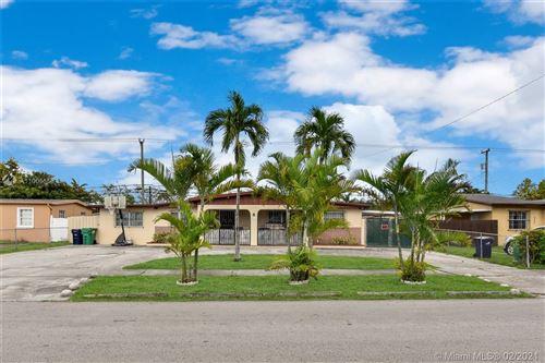 Photo of 4211 SW 112th Ct, Miami, FL 33165 (MLS # A11005556)