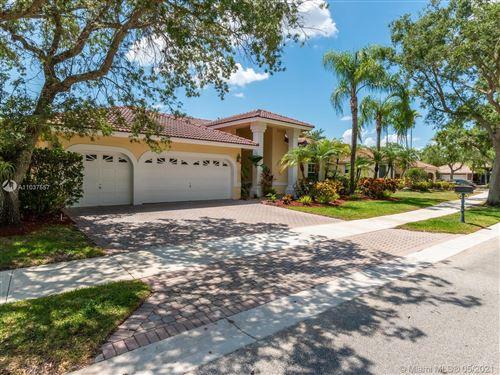 Photo of 2647 Edgewater Dr, Weston, FL 33332 (MLS # A11037557)