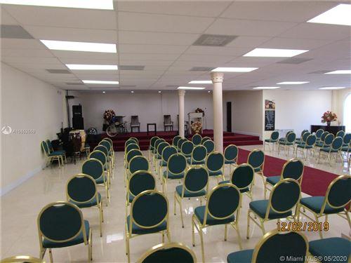 Foto de inmueble con direccion 920 NW 119th St Miami FL 33168 con MLS A10852559