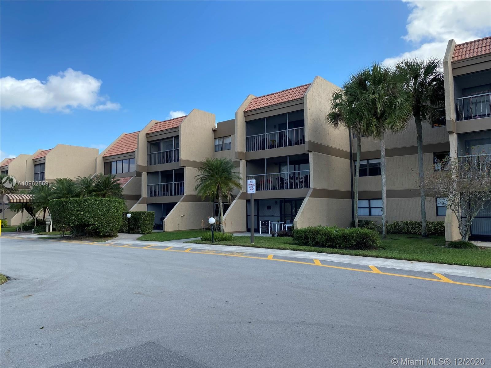 240 Lakeview Dr #205, Weston, FL 33326 - #: A10962559