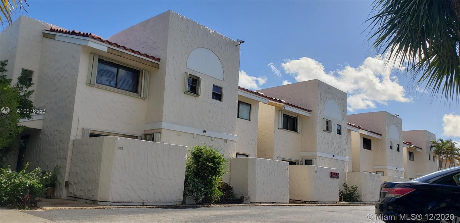 220 SE 10th Ave #220, Pompano Beach, FL 33060 - #: A10976559