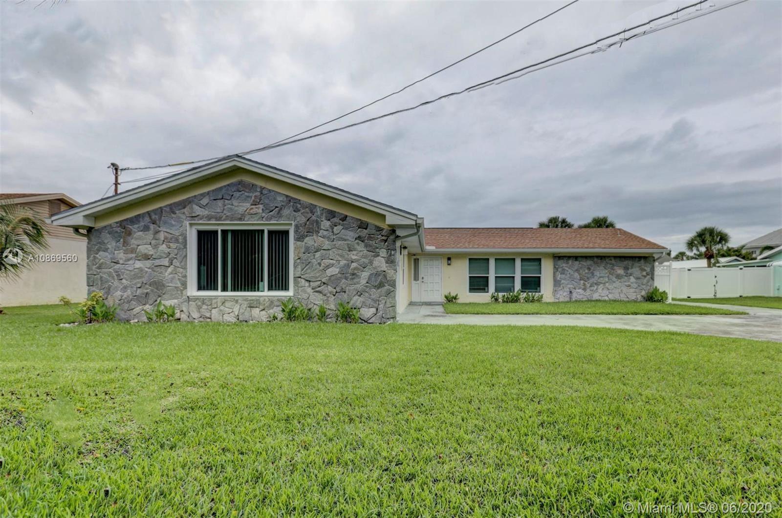 1912 Coconut Dr, Fort Pierce, FL 34949 - #: A10869560