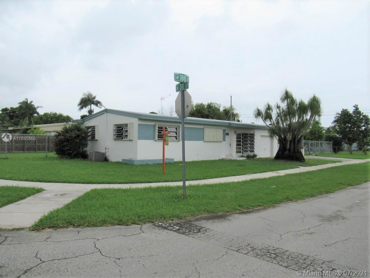 900 NW 16 Ave, Homestead, FL 33030 - #: A11050560