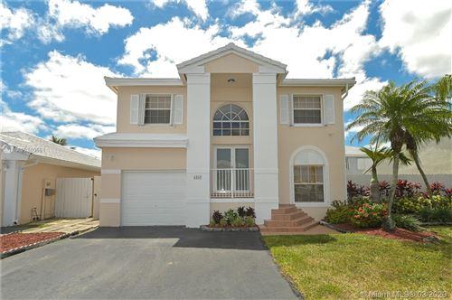 Photo of 6260 SW 112th Pl, Miami, FL 33173 (MLS # A10840561)