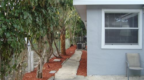 Photo of 426 SW 4th Ave, Delray Beach, FL 33444 (MLS # A10856561)