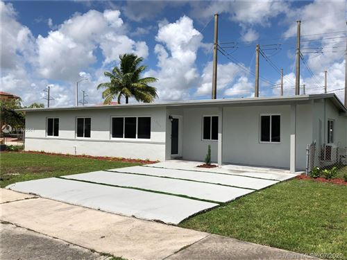 Foto de inmueble con direccion 3340 SW 97th Ct Miami FL 33165 con MLS A10899561