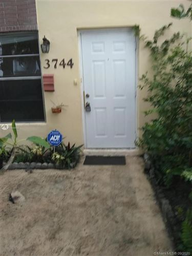 Photo of Listing MLS a10849562 in 3744 SW 60th Ter #19 Davie FL 33314