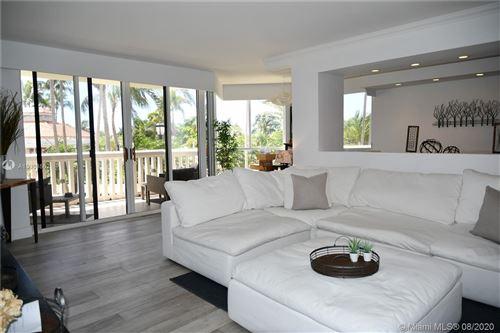 Photo of 1000 E Island Blvd #303, Aventura, FL 33160 (MLS # A10903562)