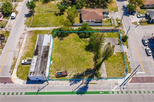 Foto de inmueble con direccion 6943 NW 15th Ave Miami FL 33147 con MLS A10879563