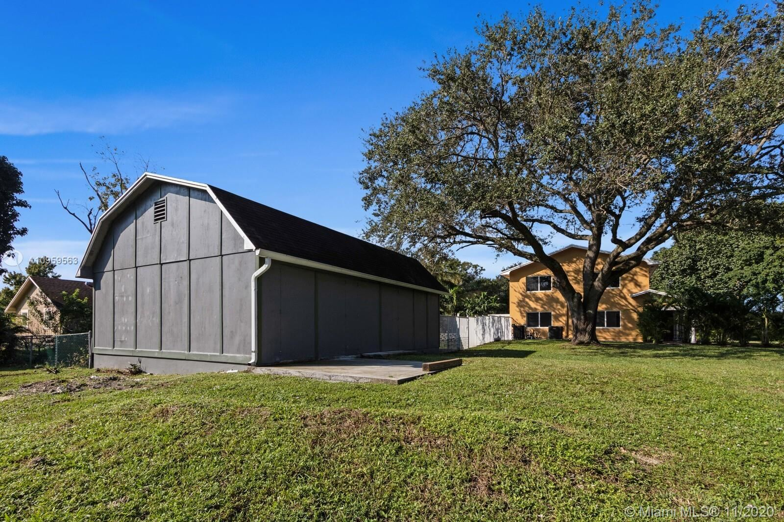 Photo of 11500 NW 21st St, Plantation, FL 33323 (MLS # A10959563)